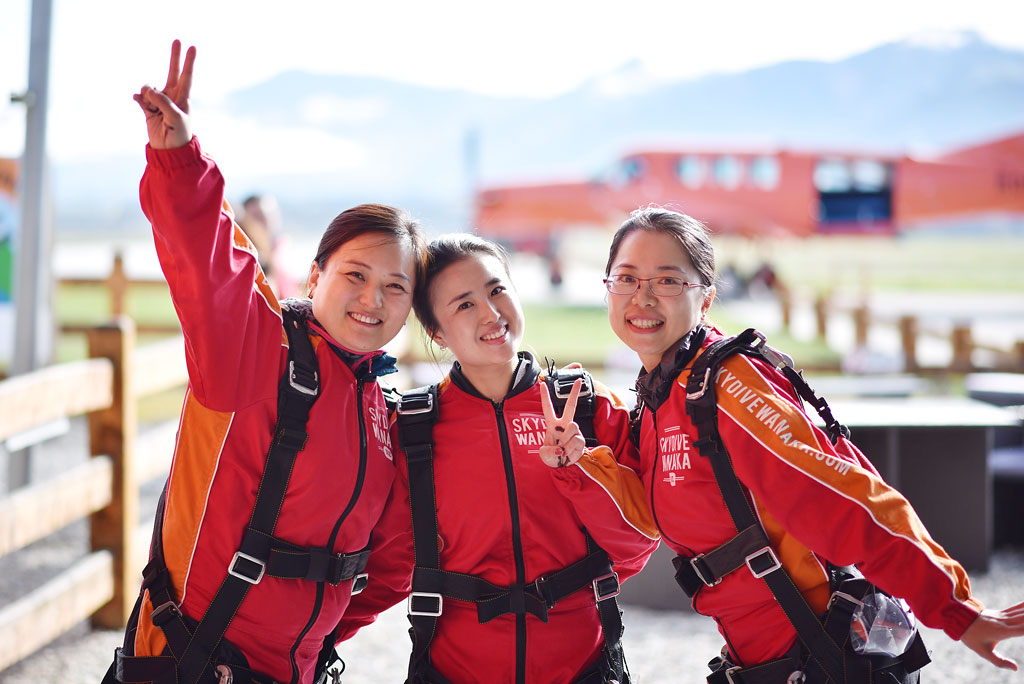 Skydive Wanaka Girls